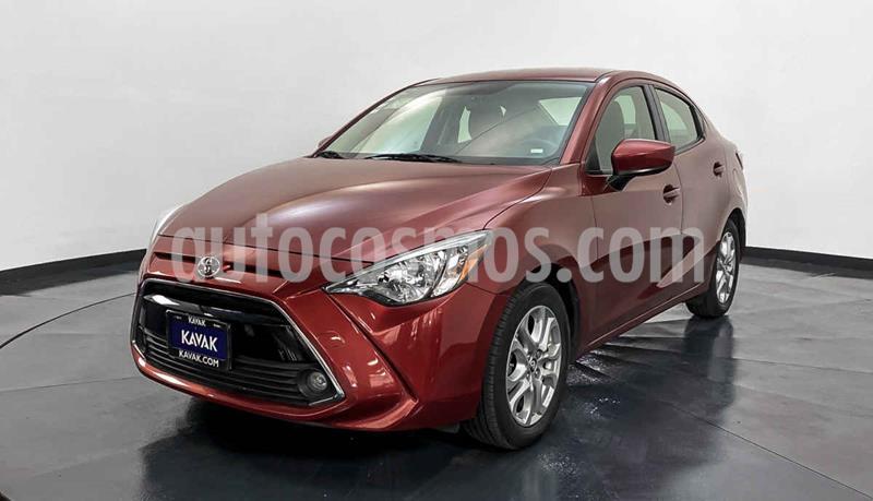 Toyota Yaris LE Aut usado (2017) color Rojo precio $234,999
