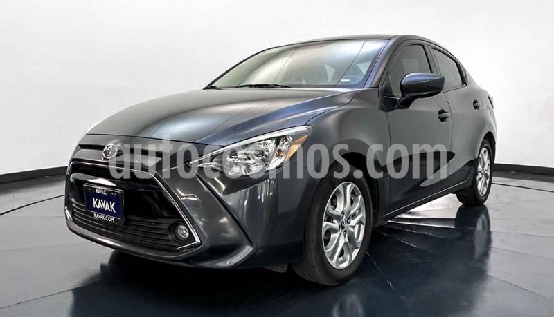 Toyota Yaris XLE Aut usado (2017) color Gris precio $222,999