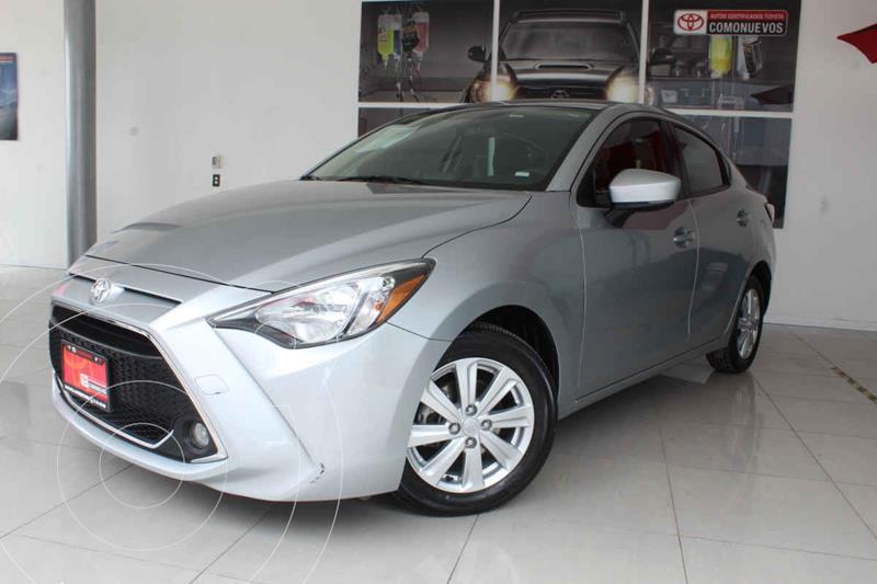 Toyota Yaris XLE Aut usado (2019) color Plata precio $259,000
