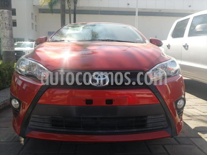 Toyota Yaris 5P 1.5L S Aut usado (2017) color Naranja precio $215,000