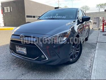 Toyota Yaris 3P 1.3L Ac usado (2019) color Gris precio $245,000