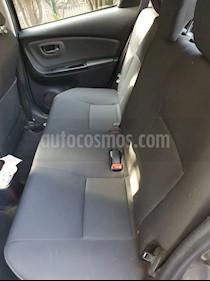 Toyota Yaris 5P 1.5L Premium usado (2015) color Gris Oscuro precio $140,000