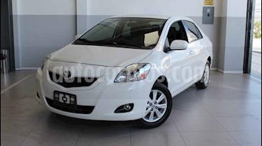 Toyota Yaris Premium usado (2016) color Blanco precio $145,000