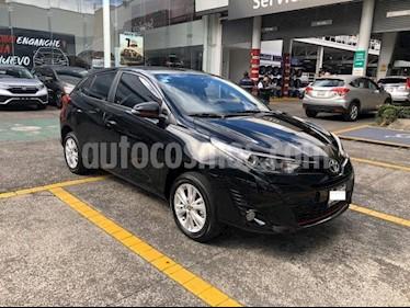 Toyota Yaris 5P HB S AT A/AC. F. NIEBLA RA-15 usado (2019) color Negro precio $249,000