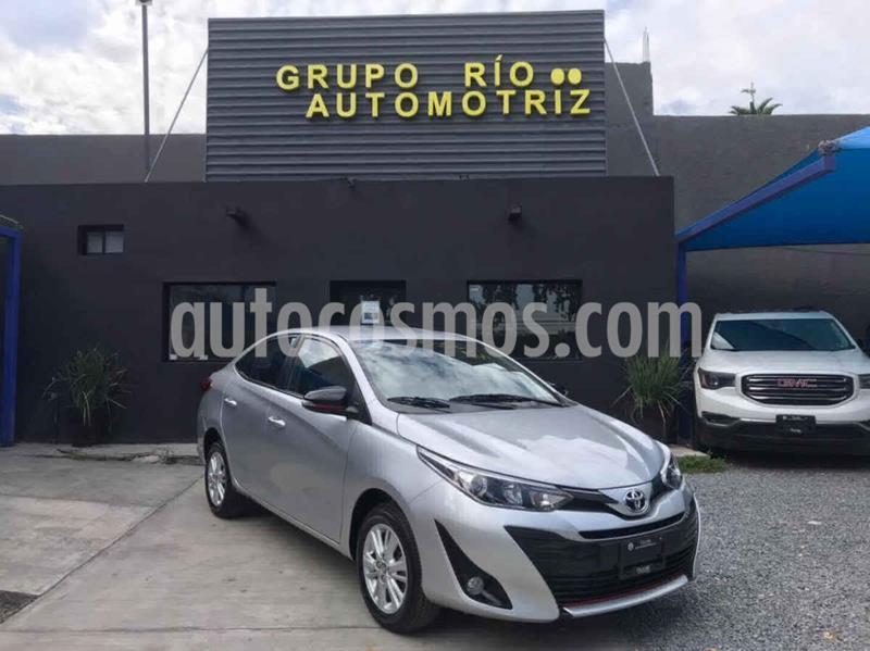 Toyota Yaris S usado (2019) color Plata precio $228,000