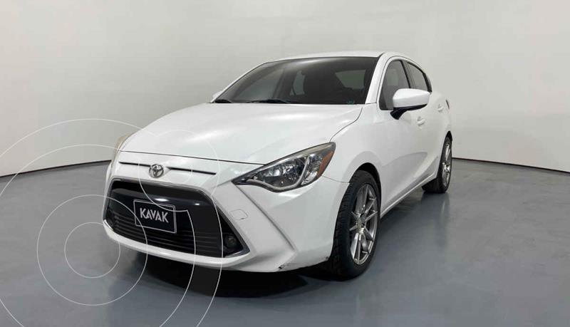 Toyota Yaris XLE Aut usado (2016) color Blanco precio $189,999