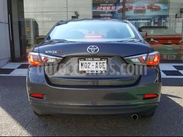 Toyota Yaris 5P 1.5L Premium usado (2016) color Gris precio $178,000