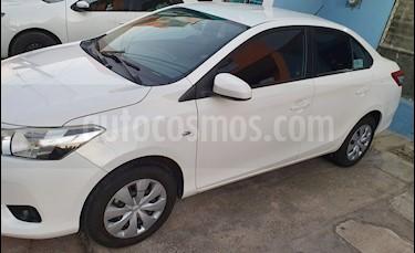 Toyota Yaris 5P 1.5L S usado (2017) color Blanco precio $164,000