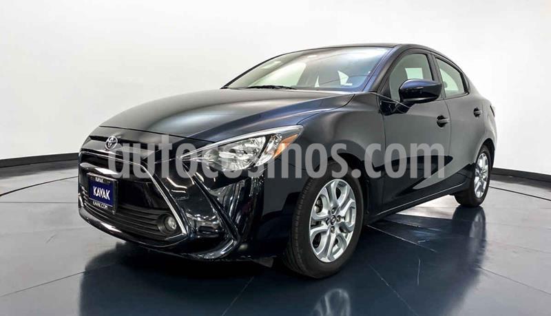 Toyota Yaris XLE Aut usado (2018) color Negro precio $239,999