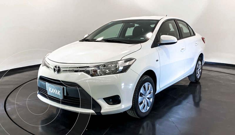 Toyota Yaris Core Aut usado (2017) color Blanco precio $197,999