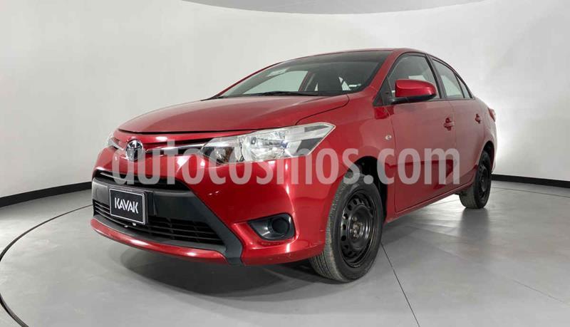 Toyota Yaris Core usado (2017) color Rojo precio $177,999