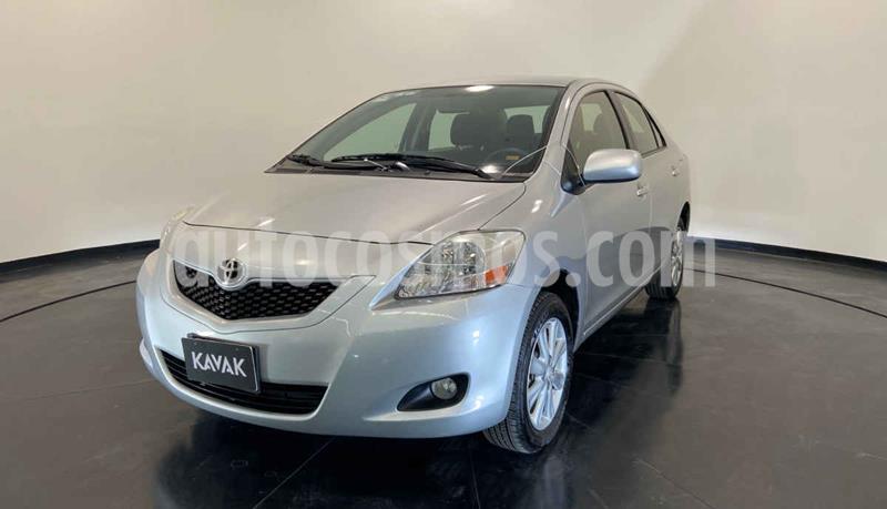 Toyota Yaris 5P 1.5L Premium usado (2015) color Plata precio $154,999