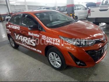 Toyota Yaris 5P HB S AT A/AC. F. NIEBLA RA-15 usado (2019) color Naranja precio $279,000