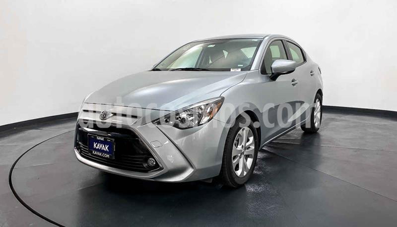 Toyota Yaris XLE Aut usado (2018) color Plata precio $229,999