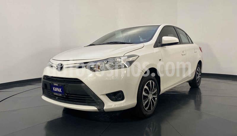 Toyota Yaris Core usado (2017) color Blanco precio $189,999