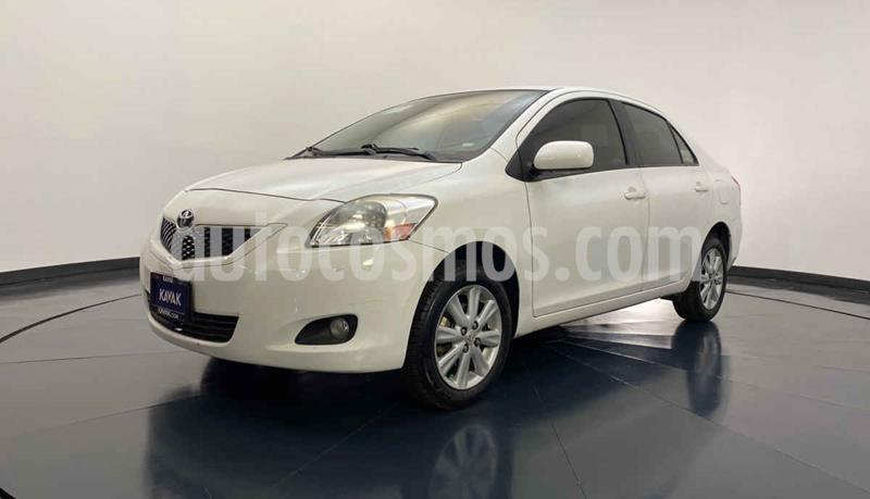 Toyota Yaris Premium Aut usado (2013) color Blanco precio $137,999