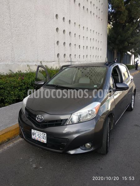 Toyota Yaris 5P 1.5L Premium Aut usado (2012) color Gris precio $120,000