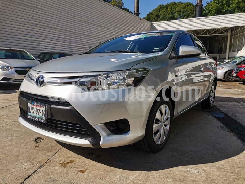 Toyota Yaris Core usado (2017) color Plata precio $175,000