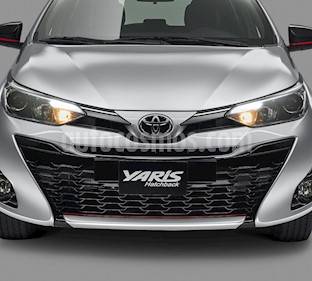Toyota Yaris 5P 1.5L Core nuevo color Blanco precio $240,900