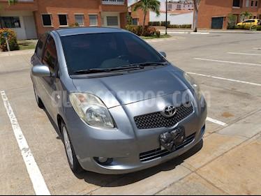 Foto venta carro usado Toyota Yaris Sol Auto. (2007) color Plata
