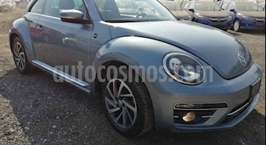 Volkswagen Beetle Sport Paq. Base usado (2018) color Azul Denim precio $309,000
