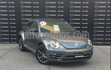 Volkswagen Beetle Sport usado (2017) color Gris Platino precio $250,000