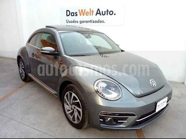 Volkswagen Beetle 2p Sound L5/2.5 Man usado (2018) color Gris precio $339,000
