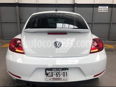 Volkswagen Beetle 3P HB SPORT 2.5L TM5 VE 6 CD PIEL QCP RA-17 usado (2014) color Blanco precio $175,000