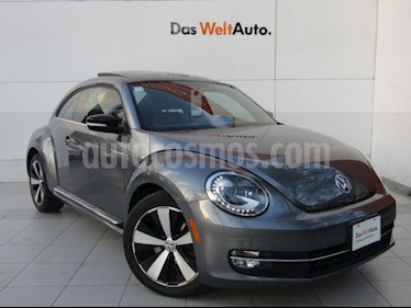 Volkswagen Beetle Turbo DSG usado (2013) color Gris Platino precio $185,000