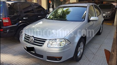 Foto venta Auto Usado Volkswagen Bora 2.0 Trendline Tiptronic (2011) color Gris Platinium