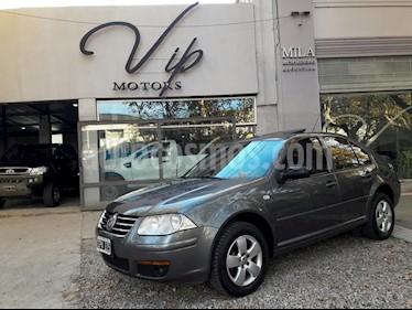 Foto venta Auto usado Volkswagen Bora 2.0 Trendline (2010) color Gris Oscuro precio $275.000