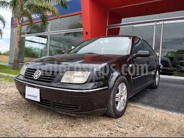 Foto venta Auto Usado Volkswagen Bora 2.0 Trendline (2006) color Negro