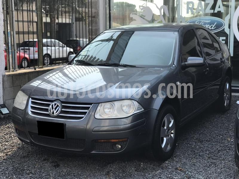 Volkswagen Bora 2.0 Comfortline usado (2010) color Gris precio $550.000
