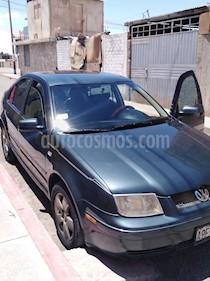 Volkswagen Bora Sedan 2.0 mecanico usado (2002) color Verde precio u$s6,500