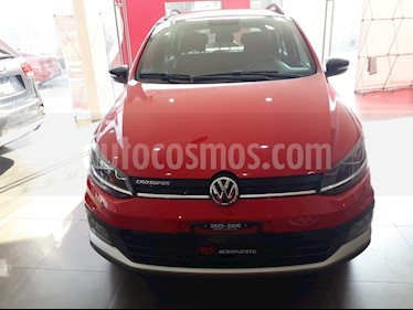 Foto venta Auto Seminuevo Volkswagen CrossFox 1.6L 10 anos (2017) color Rojo Cerezo precio $199,000
