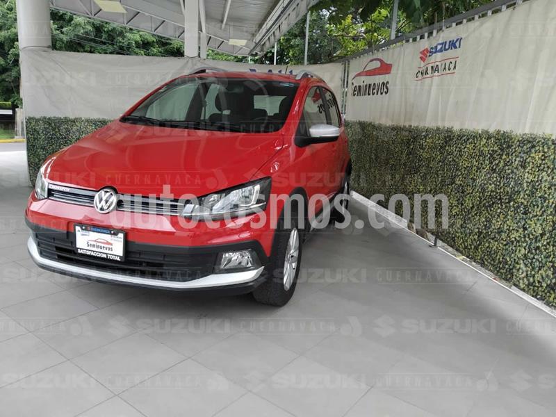 Volkswagen CrossFox 1.6L usado (2016) color Rojo Tornado precio $155,000
