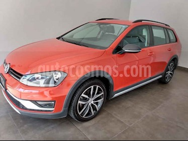 Foto Volkswagen CrossGolf 1.4L usado (2017) color Naranja precio $245,000