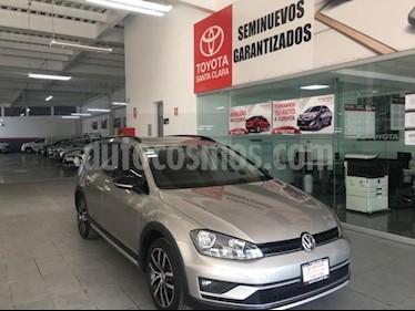 Foto venta Auto usado Volkswagen CrossGolf 1.4L (2017) color Beige precio $275,000