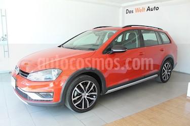 Foto venta Auto usado Volkswagen CrossGolf 1.4L (2017) color Naranja Metalico precio $295,000