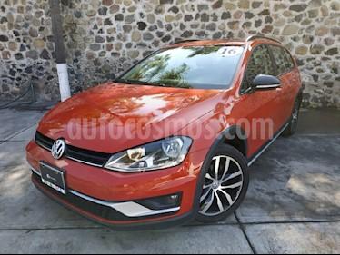 Foto venta Auto Seminuevo Volkswagen CrossGolf 1.4L (2017) color Naranja precio $330,000