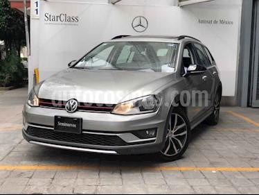 Volkswagen CrossGolf 1.4L usado (2017) color Crema precio $265,000