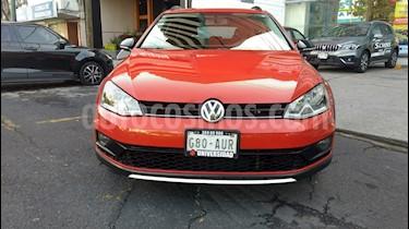 Volkswagen CrossGolf 1.4L usado (2017) color Naranja precio $298,000