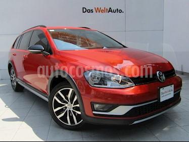 Volkswagen CrossGolf 1.4L usado (2017) color Naranja Metalico precio $260,000