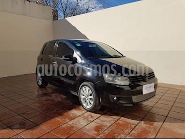 Volkswagen Fox 5P Trendline usado (2012) color Gris Urano precio $500.000