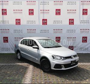 Foto venta Auto Seminuevo Volkswagen Gol Sedan Comfortline (2017) color Plata precio $145,900