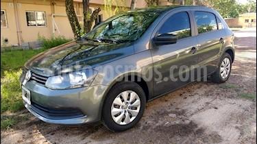 Volkswagen Gol Trend 5P Pack II usado (2014) color Gris Cuarzo precio $350.000