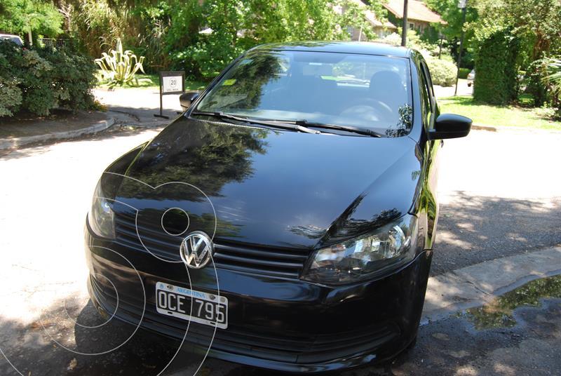 Volkswagen Gol Trend 5P Pack II usado (2014) color Negro precio $700.000