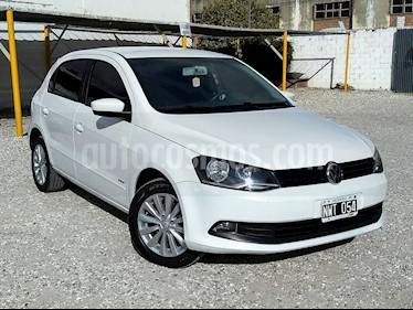 Volkswagen Gol Trend 5P Pack III usado (2014) color Blanco Cristal precio $325.000