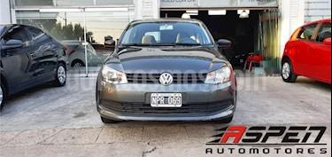 Volkswagen Gol Trend 5P Pack II usado (2014) color Gris Oscuro precio $385.000