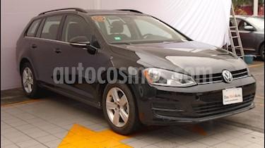 Foto venta Auto Seminuevo Volkswagen Golf Sportwagen Diesel DSG (2016) color Negro precio $281,000